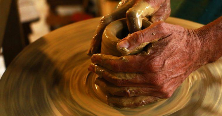 hands-1283146_1920